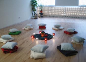 Seminarraum mit Polster-Sitz-Kreis